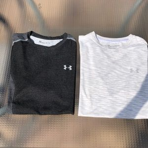 Under Armour lot of 2 seamless T shirts size XL